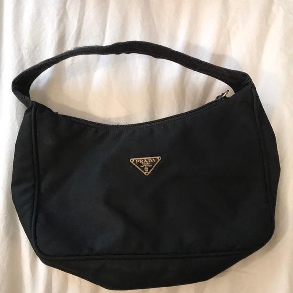 Small Prada nylon bag. M 5a92d71b61ca1096cb3e6809
